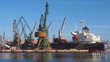 ВЪВ ВАРНА: Проверяват 102 контейнера с отпадъци от Италия