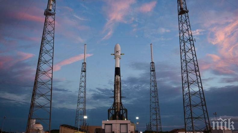 От SpaceX отложиха изстрелването на интернет-спътниците Starlink
