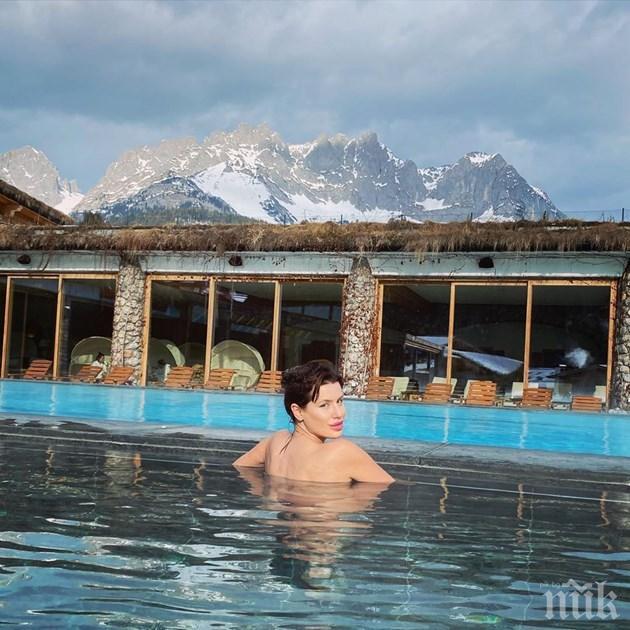 Мис България гола сред планините