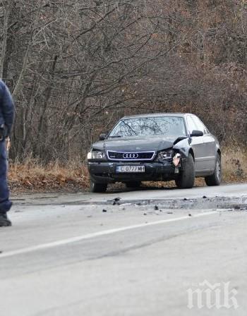 Мъж е ранен в катастрофирало край Бяла ауди, тръгнал си пеш