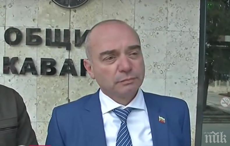 """ПЪЛЕН АБСУРД: Общинските съветници в Каварна поискаха от журналисти такса """"отразяване"""""""