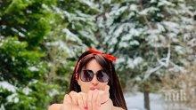 ШОУ: Тв водещата Мариана Маринова нагази по бански в преспите