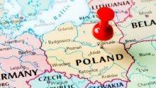 Полша затваря училищата до католическия Великден