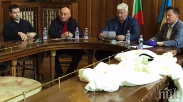 С БЛАГОДАРНОСТ ОТ ПРЕМИЕРА: Георги Гергов дарява 300 000 лева за лабораторията в Пловдив