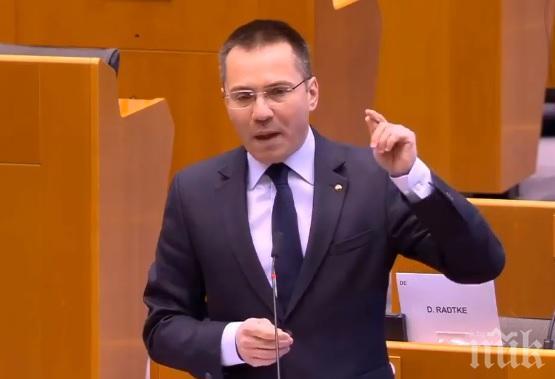 """Ангел Джамбазки в гневна реч към Европейските институции: Проспахте кризата и закъсняхте. Сега късайте Зелената сделка и забравете пакет """"Мобилност"""" (ВИДЕО)"""