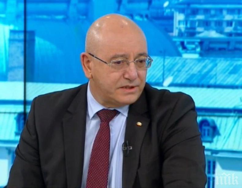 ИЗВЪНРЕДНО В ПИК TV: Министър Димитров с първи думи след срещата с прокуратурата (ВИДЕО/ОБНОВЕНА)