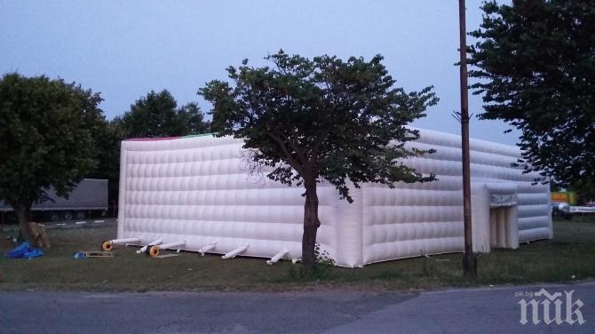 Маноил Манев предоставя две шатри за болни (СНИМКИ)