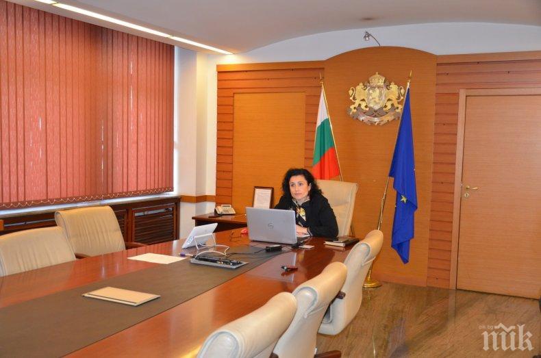 Министър Танева с важни разговори с търговските вериги - призова ги да зареждат родна продукция