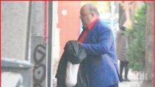 Любо Нейков със закачка към маниаците по тоалетната хартия (СНИМКА)