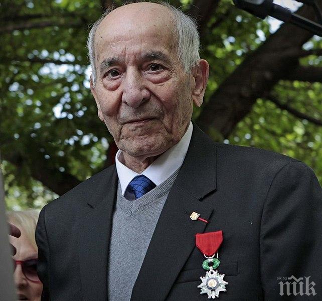 """Коронавирусът погуби последния войник от испанската рота на """"Свободна Франция"""""""