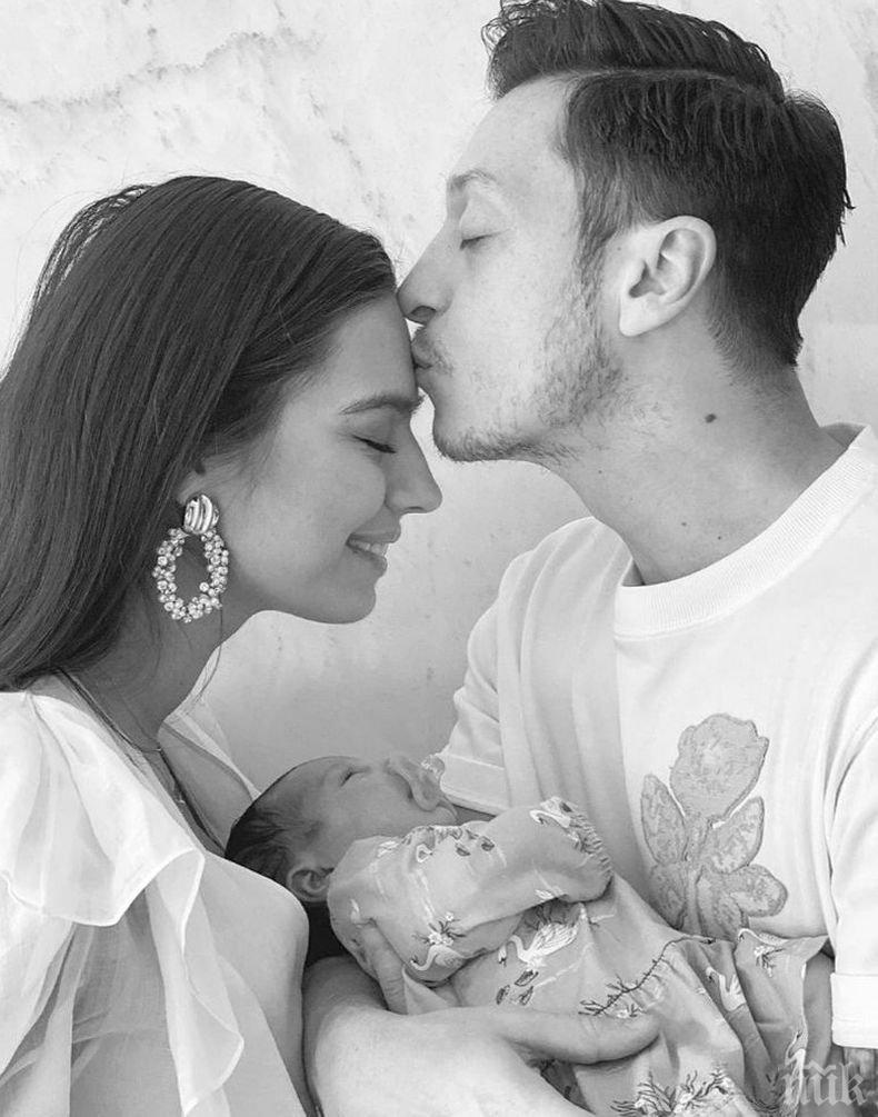 Полузащитник на Арсенал стана баща на момиче