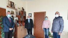 Общински съветници от ГЕРБ дариха средства за медиците на първа линия в област Кърджали