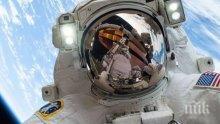 НАСА изстрелва двама астронавти до космическата станция