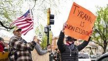 Здравни работници се противопоставиха на протестиращи срещу мерките в САЩ