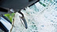 ТЕЖКА КАТАСТРОФА: Кола се размаза в камион край Расово, пътят за Лом е затворен