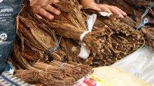 Спипаха 858 кила нелегален тютюн в тир