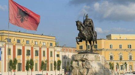 Без абитуриентски балове в Албания заради коронавируса