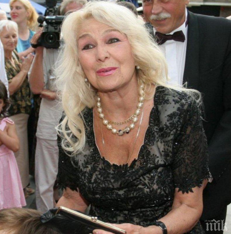 Икономка се грижи за 87-годишната легенда Гинка Станчева