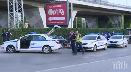 Зрелищна гонка в София завърши със стрелба и четирима натръшкани
