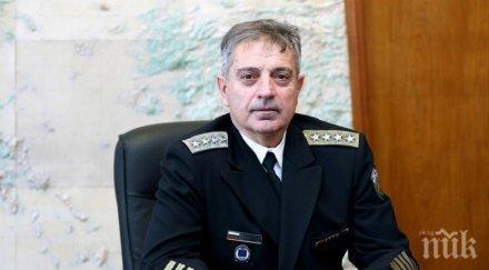 Шефът на отбраната адмирал Ефтимов с коментар за вдигнатите изтребители заради руски бомбардировачи