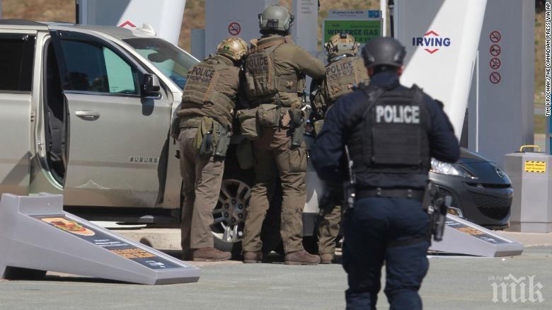 Стрелба във военноморска база в Тексас, има убит