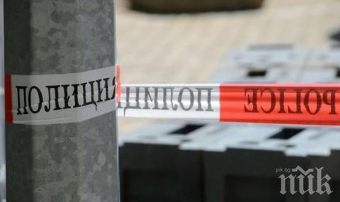 """Откриха разложен труп на мъж в кола на паркинг пред блок в жк. """"Левски"""""""