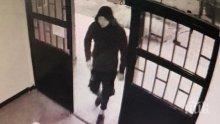 """Откраднаха телефона на 11-годишно момче в """"Люлин"""""""