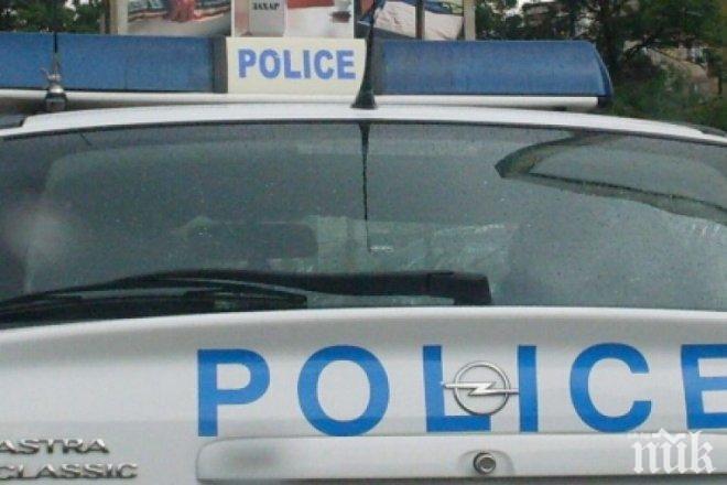 Гладни крадци разбиха вендинг машина, откраднаха два шоколада и брускети