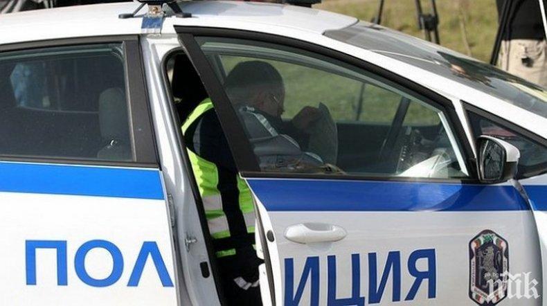 СКАНДАЛНО: Полицаи въртят заведения и укриват данъци в Плевен