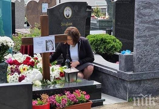 Политолог попиля Нинова за пиара на гроба на Ламбо: Минава и през трупове!