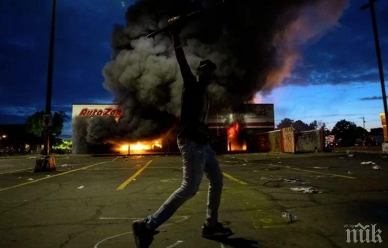 Обвиниха мъж за раздаване на експлозиви на протестиращи в Минеаполис