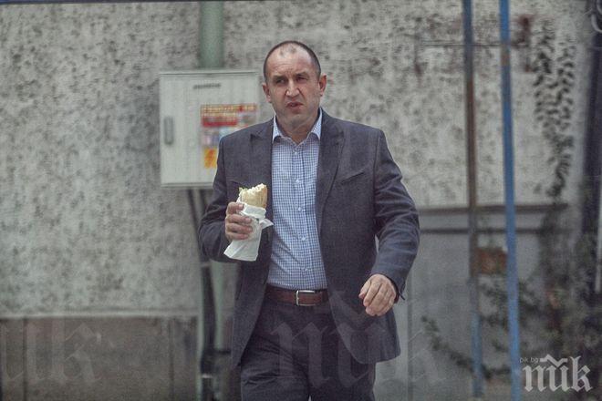 """Президентът на България деградира до """"Афера"""""""