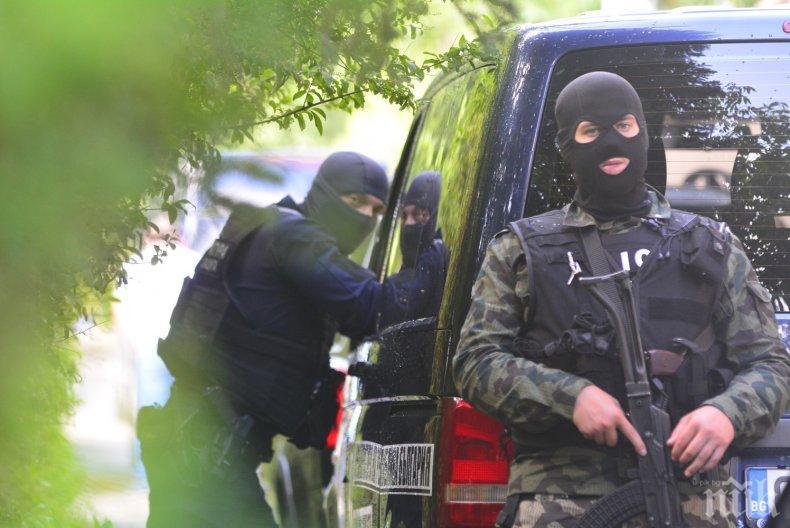 РАЗКРИТИЕ: Брат на известен полицай е вторият арестуван заедно с дясната ръка и шеф на охраната на Васил Божков