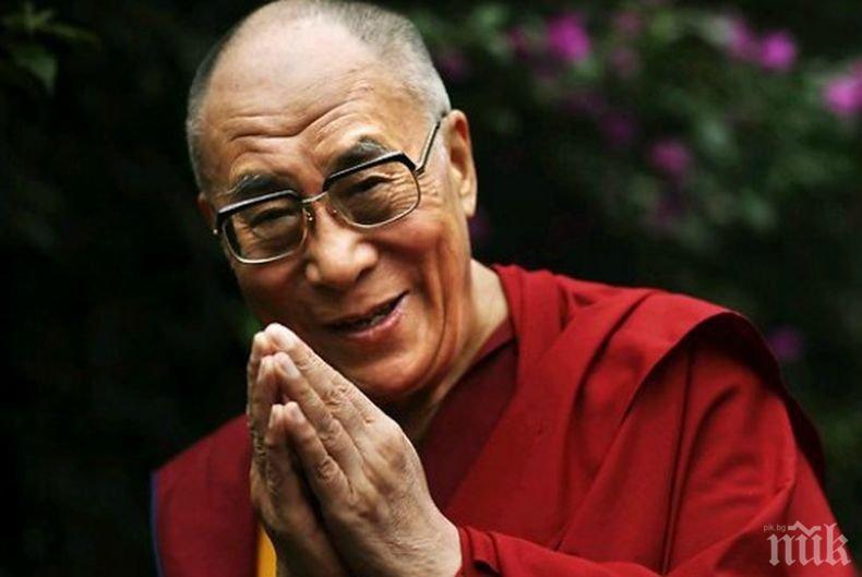 Далай Лама става на 85 години