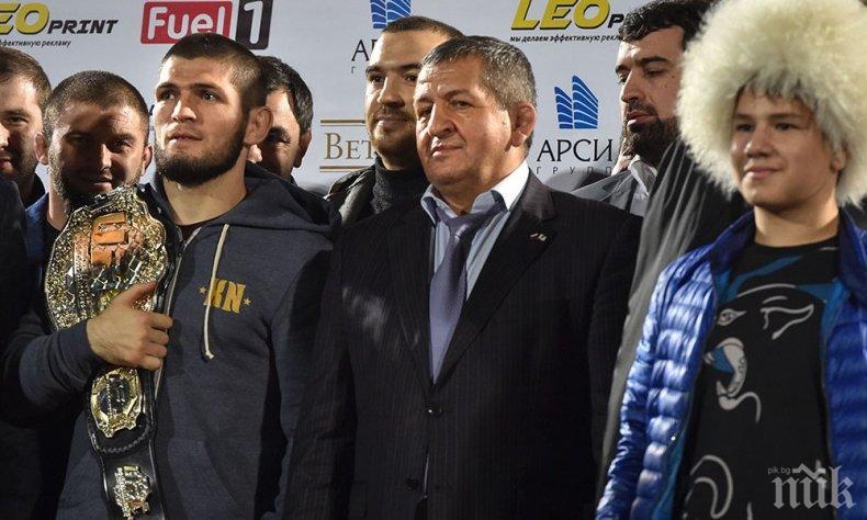 Слуховете започнаха: Хабиб спира със спорта след смъртта на баща му