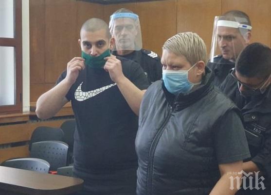 БРУТАЛНО! Майка и син заклали със стъклена чаша Поли Стефанов в Пловдив