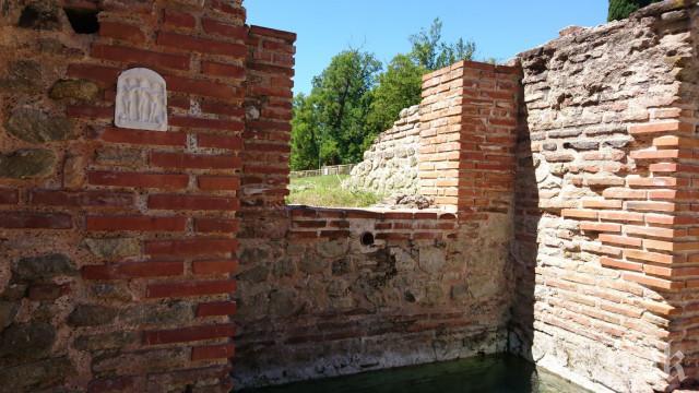 Възстановиха светилището на трите нимфи в Римските терми в Хисаря