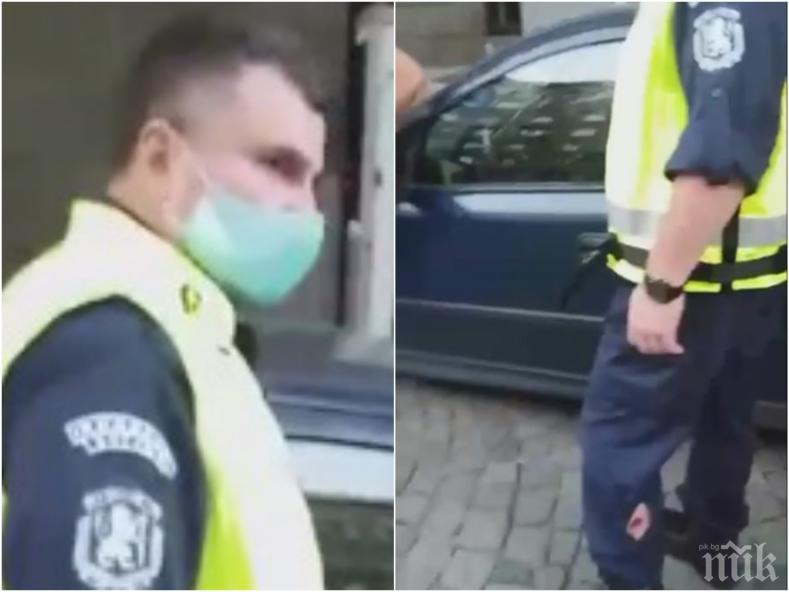 ПЪРВО В ПИК: Провокатори хвърлиха бомбичка по полицаите пред Министерски съвет, има ранен (ВИДЕО/СНИМКА 18+)