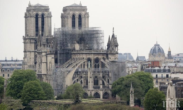 """Продължава реставрацията на катедралата """"Нотр Дам"""""""