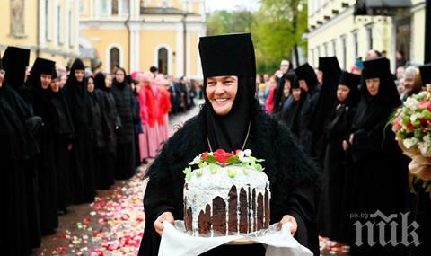 Игуменката на Покровския манастир в Москва кара S класа за 120 хил. евро (СНИМКИ)