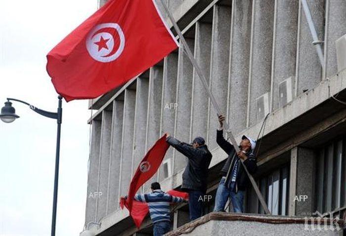Премиерът на Тунис хвърли оставка