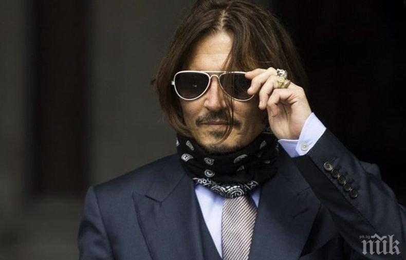 Нова любов в Холивуд: Джони Деп луд по Анджелина Джоли