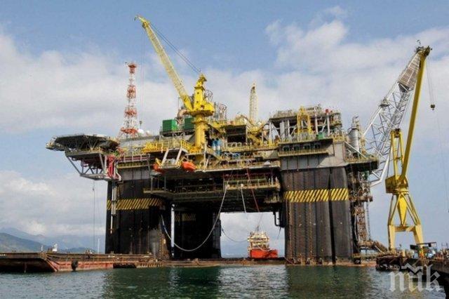 Петролът поевтиня до 44 долара за барел