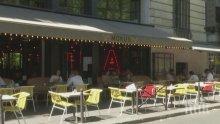 Екологично: Забраняват отопляването на открити тераси на заведения във Франция