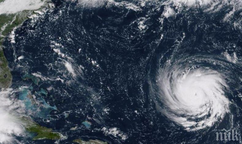 Властите във Флорида и Северна Каролина предупредиха за наближаващ ураган