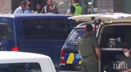 Задържаха терориста, който взе заложничка в киевска банка