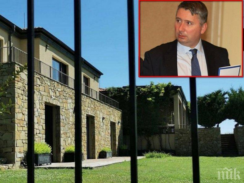 ТИХОМЪЛКОМ: Иво Прокопиев се изнесъл от морското имение в Буджака