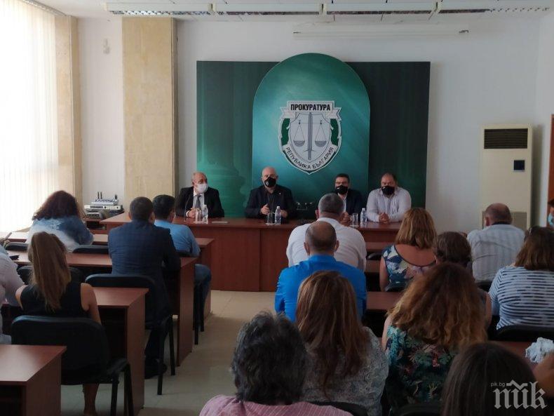 ПЪРВО В ПИК: Главният прокурор посети и Бургас
