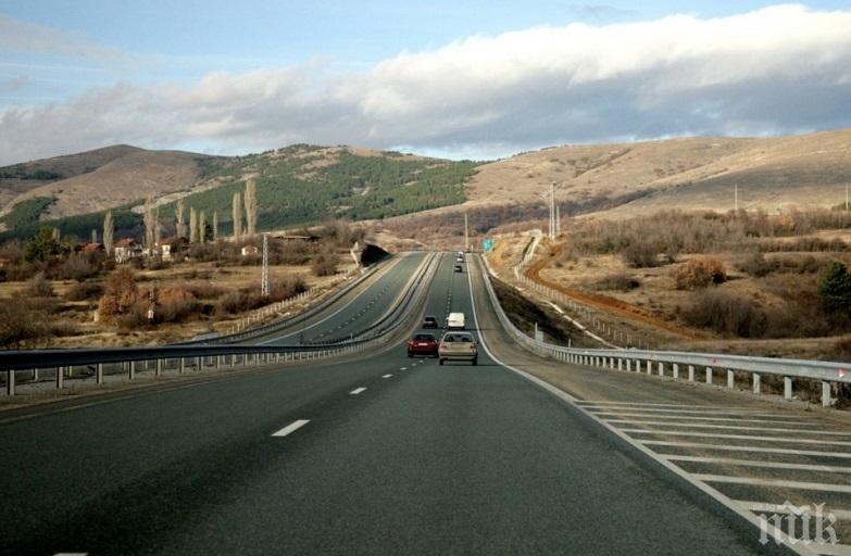 """България може да изгуби милиарди за магистрала """"Струма"""" и още 44 инфраструктурни проекти без редовно правителство"""