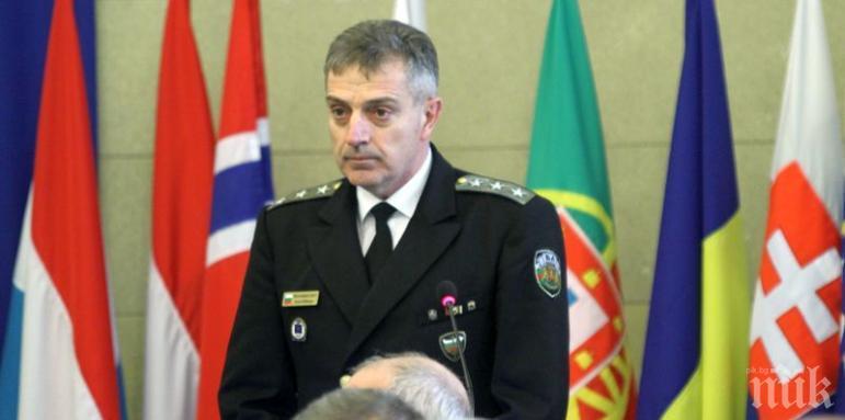 Началникът на отбраната адмирал Ефтимов отива в Съюзното командване на НАТО